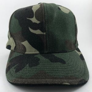 3f8a1599ad9c1 NEW Rothco Camo Style 6 Panel Fitted Hat